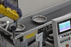 Bre-com_Pulitura articoli casalinghi_padelle-robot-alto